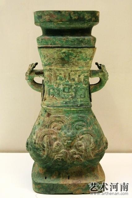 夔龙纹方壶